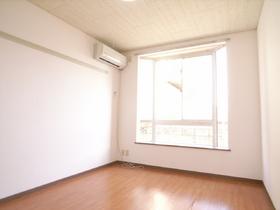 築年数は古いですが、室内は綺麗ですよ!