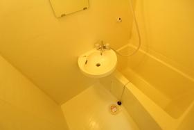 http://image.rentersnet.jp/a27f9874-54f0-492e-896a-1031da302f61_property_picture_958_large.jpg_cap_洗面所