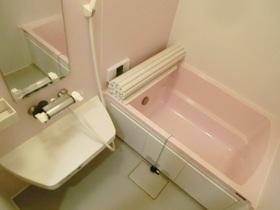 オシャレなバスルームです♪