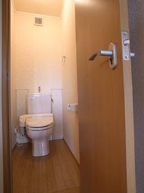 ちょうど良い広さのトイレでリラックスタイム