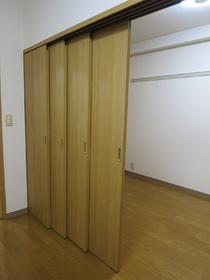 区切っても広くも使える仕切りドア