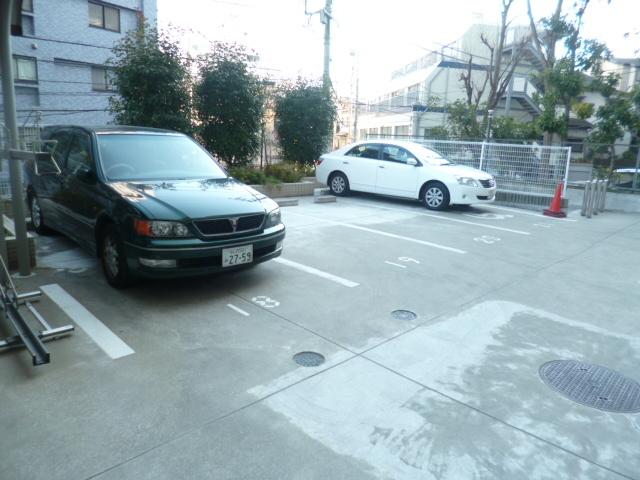 スカイコートヴィーダ五反田WEST駐車場