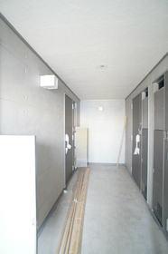 http://image.rentersnet.jp/a60cb638349a4f54493f0f50860bb32c_property_picture_962_large.jpg_cap_共同廊下。
