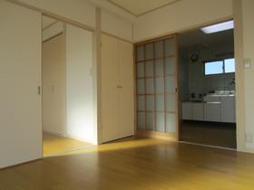 居室内収納スペースあります。