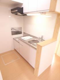 キッチンも独立型でリビングに出っ張らない!