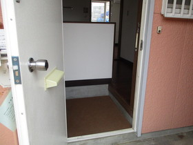 http://image.rentersnet.jp/aa8c1f61-fbb1-4678-a8d1-73b8fd64a38e_property_picture_959_large.jpg_cap_玄関