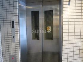 荷物多い日も安心のエレベーター付きです☆
