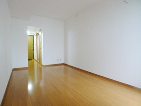 プランドル・ラ・メール 105号室