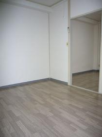 興和ビル 204号室