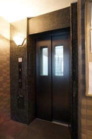 http://image.rentersnet.jp/aeb77160774871f145f427f277eafa24_property_picture_962_large.jpg_cap_もちろんエレベーターあり