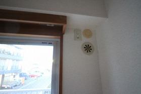 パラディソ 206号室