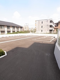 駐車場空きは要確認です