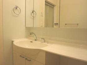 http://image.rentersnet.jp/afd50ebf265d2db86a2f93b6288fbb44_property_picture_3186_large.jpg_cap_鏡張りの洗面台☆