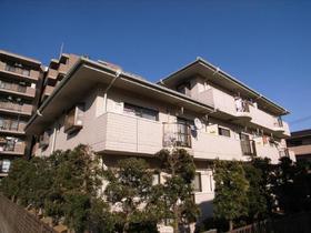 タイル張りの外観の高級感のあるマンション!