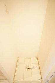 http://image.rentersnet.jp/afe61f1c-6642-417f-9cf6-bcfcbfeee0c5_property_picture_962_large.jpg_cap_室内洗濯機置き場。