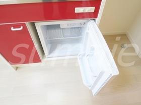 ミニ冷蔵庫付です♪