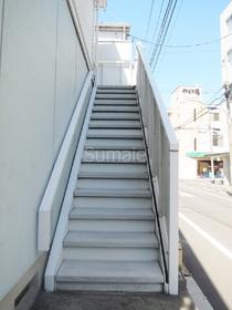 共用の階段部分です☆