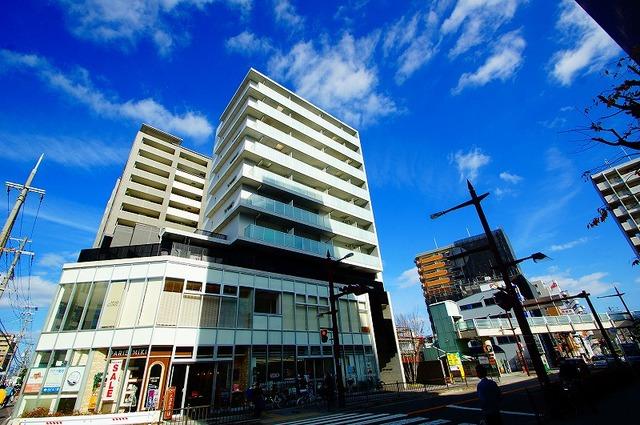 大阪府茨木市春日の賃貸マンションの外観