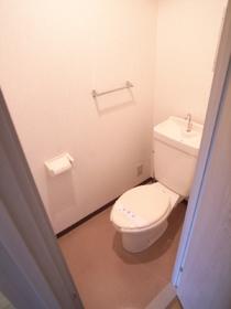 清潔感のある洋式のトイレ☆
