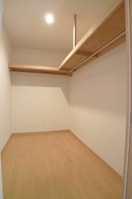 ラ・メゾンヴェール 201号室