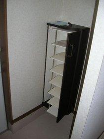 http://image.rentersnet.jp/b55264a91069286f2e89d3995d9254e9_property_picture_1991_large.jpg_cap_下駄箱備え付け