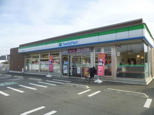 ファミリーマート津白山町店