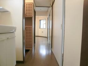 各部屋へ続く廊下スペースです(*^_^*)