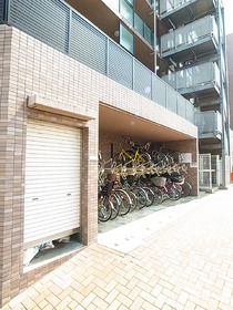 自転車置場は屋根も完備です