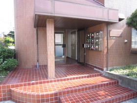 http://image.rentersnet.jp/bc92acfee4429474a3b733d91b695d2e_property_picture_961_large.jpg_cap_エントランス