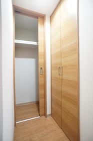 榮マンション 102号室