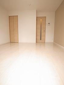 こんなキレイな部屋に住みたいですね☆