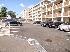 駐車スペースもヒロビロ☆