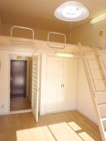 天井が高いので開放感があります♪