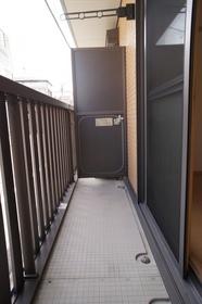 http://image.rentersnet.jp/c1f3fa6d-4f8e-4e19-ba38-e0581c627b68_property_picture_962_large.jpg_cap_風通しの良いバルコニー