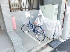 こちらにも自転車を置けます♪