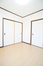 エリゼ壱番館 101号室