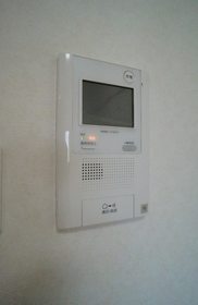 http://image.rentersnet.jp/c5929bda-b450-4cdf-9a53-d24e5f277bab_property_picture_962_large.jpg_cap_安心のモニター付きインターフォン