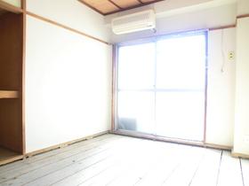陽が直接入る明るいお部屋♪畳は張替え前です♪