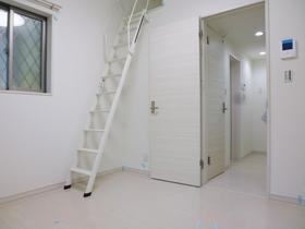 白が基調の綺麗なお部屋です!