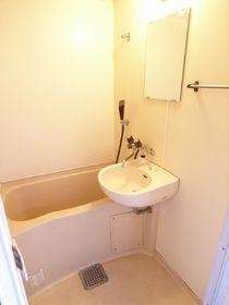 もちろんお風呂とトイレは別々!