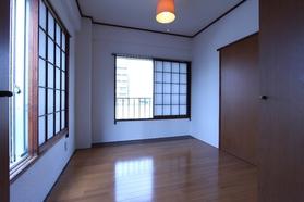 山王台マンション第1棟 201号室