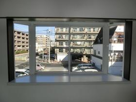 大きな出窓
