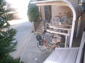 自転車置場も敷地内に完備☆