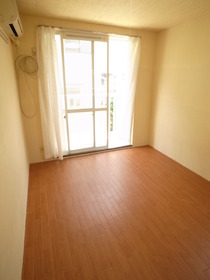 シンプルな6畳の洋室☆