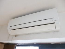洋室にもエアコン付きです