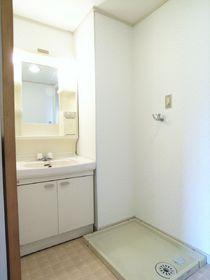 独立洗面台&洗濯機置き場です