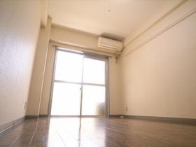 エアコン付きのキレイなお部屋☆