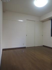 サンファースト 201号室