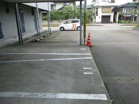 http://image.rentersnet.jp/cfcff0d6-b591-4de4-a01c-e9a16f55f1a8_property_picture_959_large.jpg_cap_駐車場
