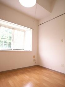 窓が大きいので、室内明るいです